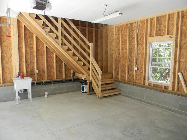 Custom garage pictures photos pictures of garages for Garage apartment plans canada
